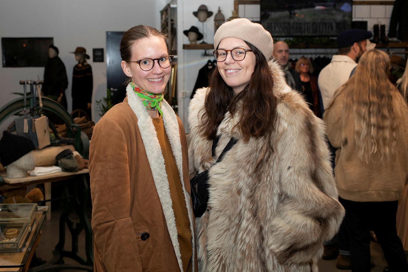 Hrefna Lind Einarsdóttir og Ástrós Linda Ásmundsdóttir.