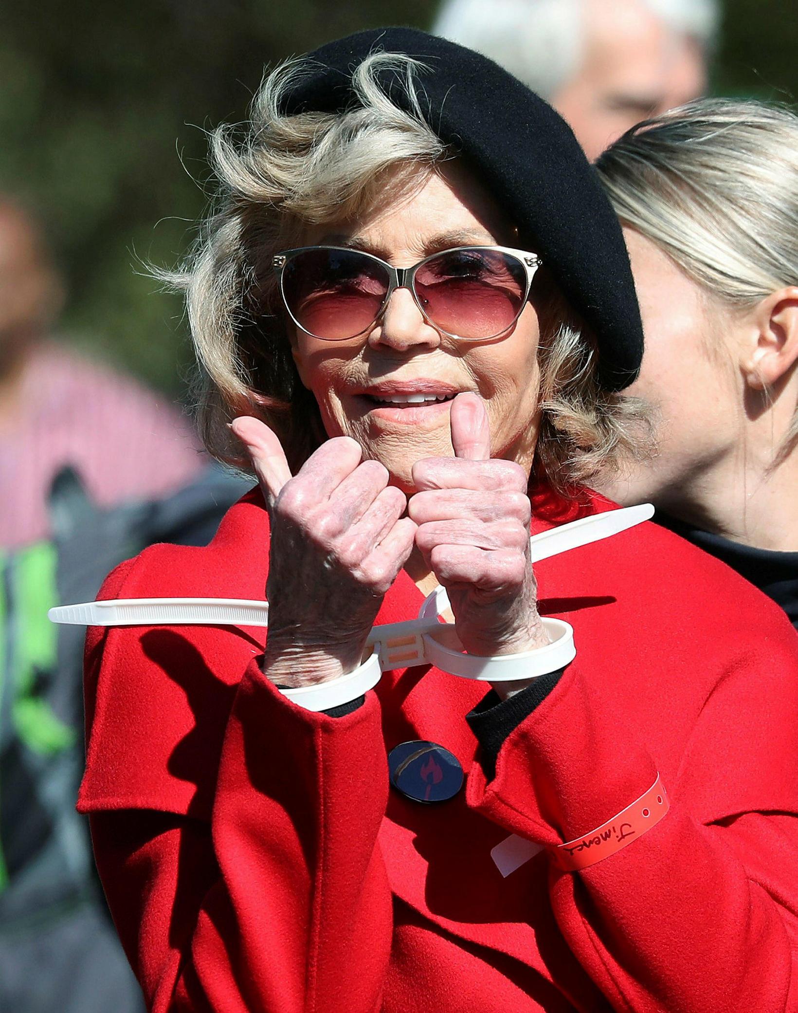 Jane Fonda er hvergi af baki dottin og heitir áframhaldandi ...