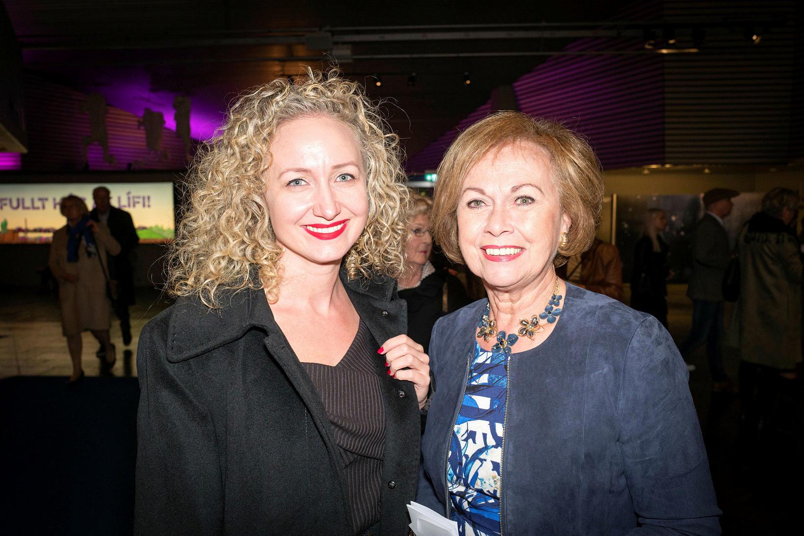 Elín Eggertsdóttir og Sigrún Árnadóttir.