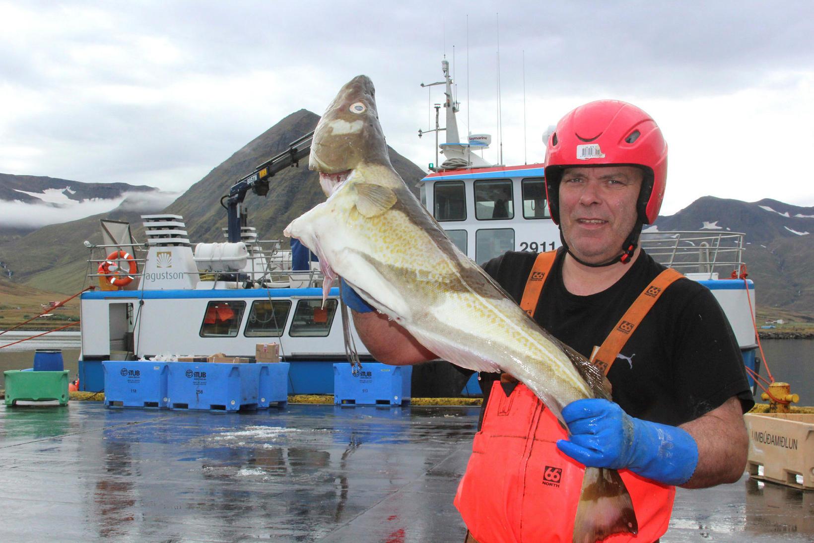 Captain Sigurður Þórarinsson.