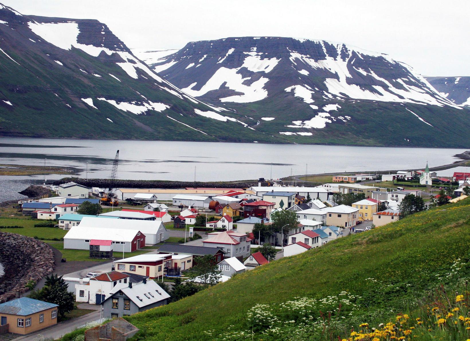 Suðureyri.