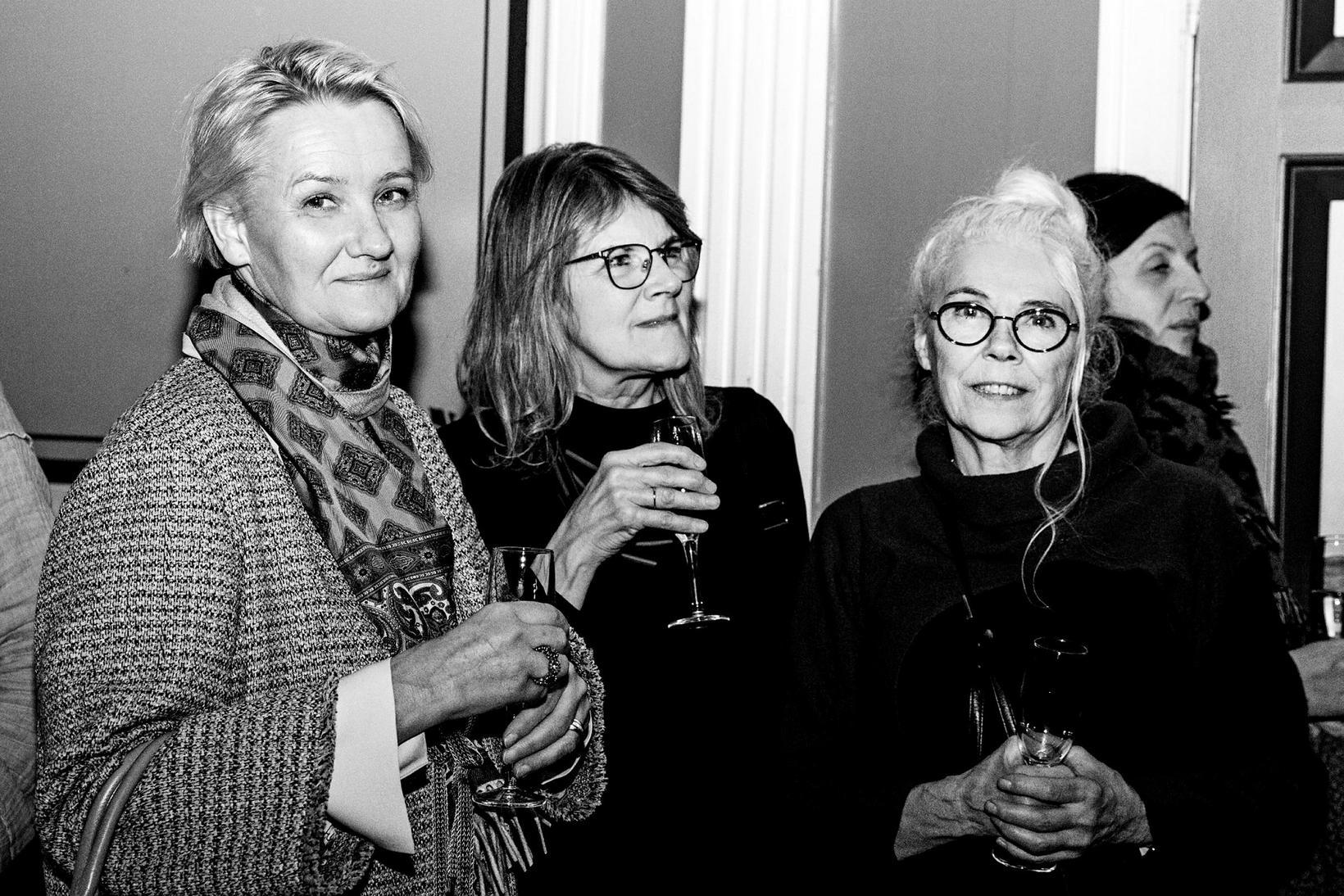 Rut Káradóttir, Elísabet V. Ingvarsdóttir og Júlía Andersen.