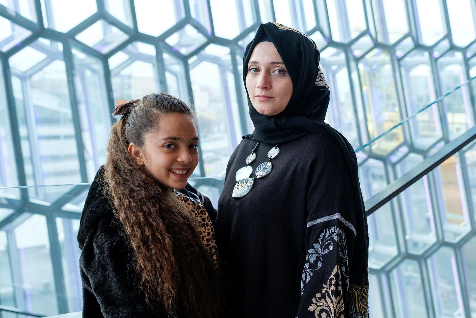 Bana al-Abed og mama hennar Falemah en hún var enskukennari …