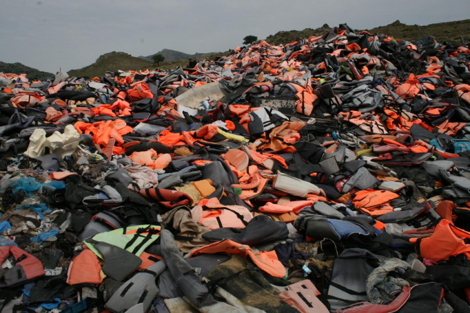 Björgunarvestafjall á Lesbos.