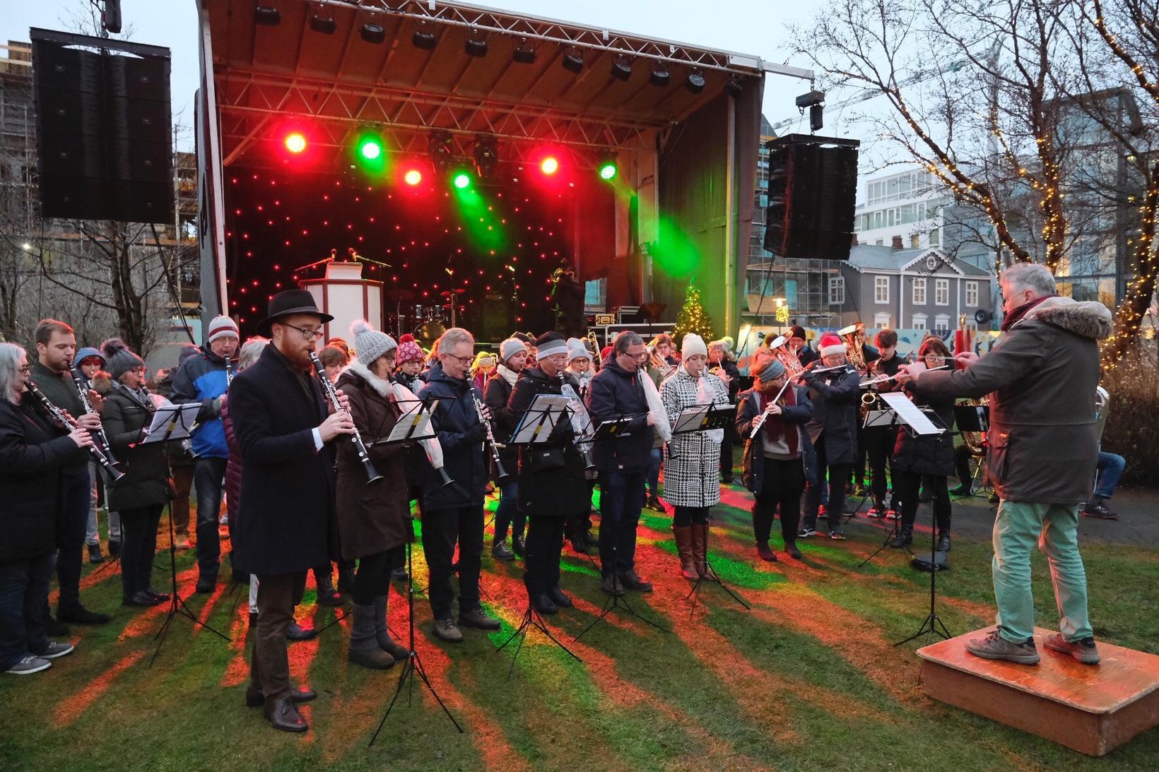 Reykjavík City Band and Sagene Janitsjarkorps from Oslo played.