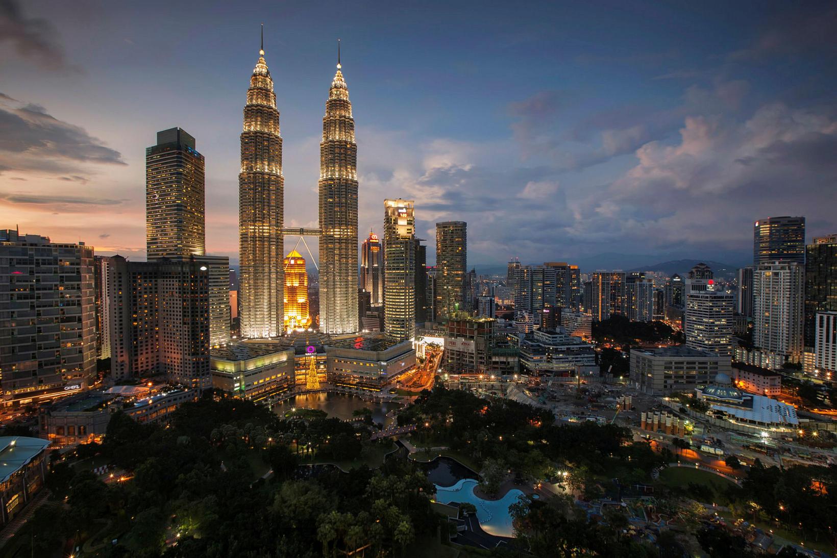 Allir þekkja Petronas-turnana í Kuala Lumpur. Lítið er um að …