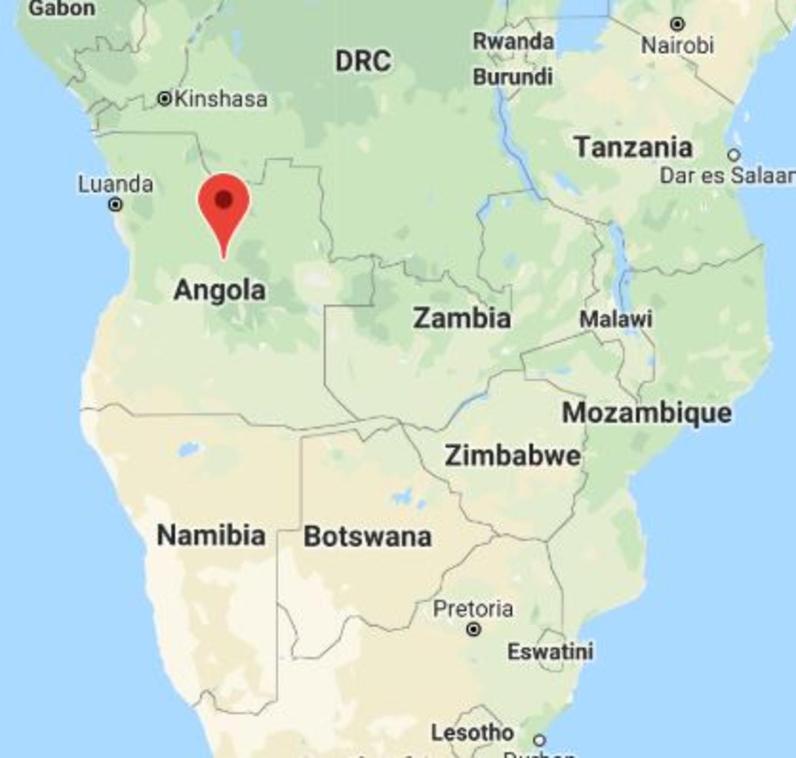Angóla er nágrannaríki Namibíu.