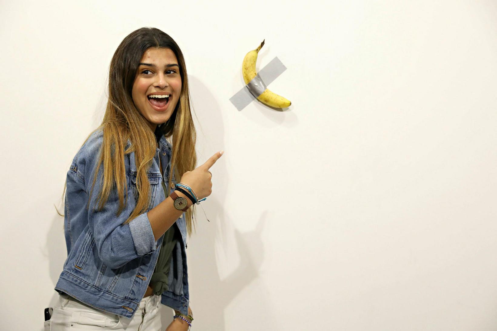 Banani Cattelan var keyptur af frönskum listaverkasafnarara á tæpar 15 …