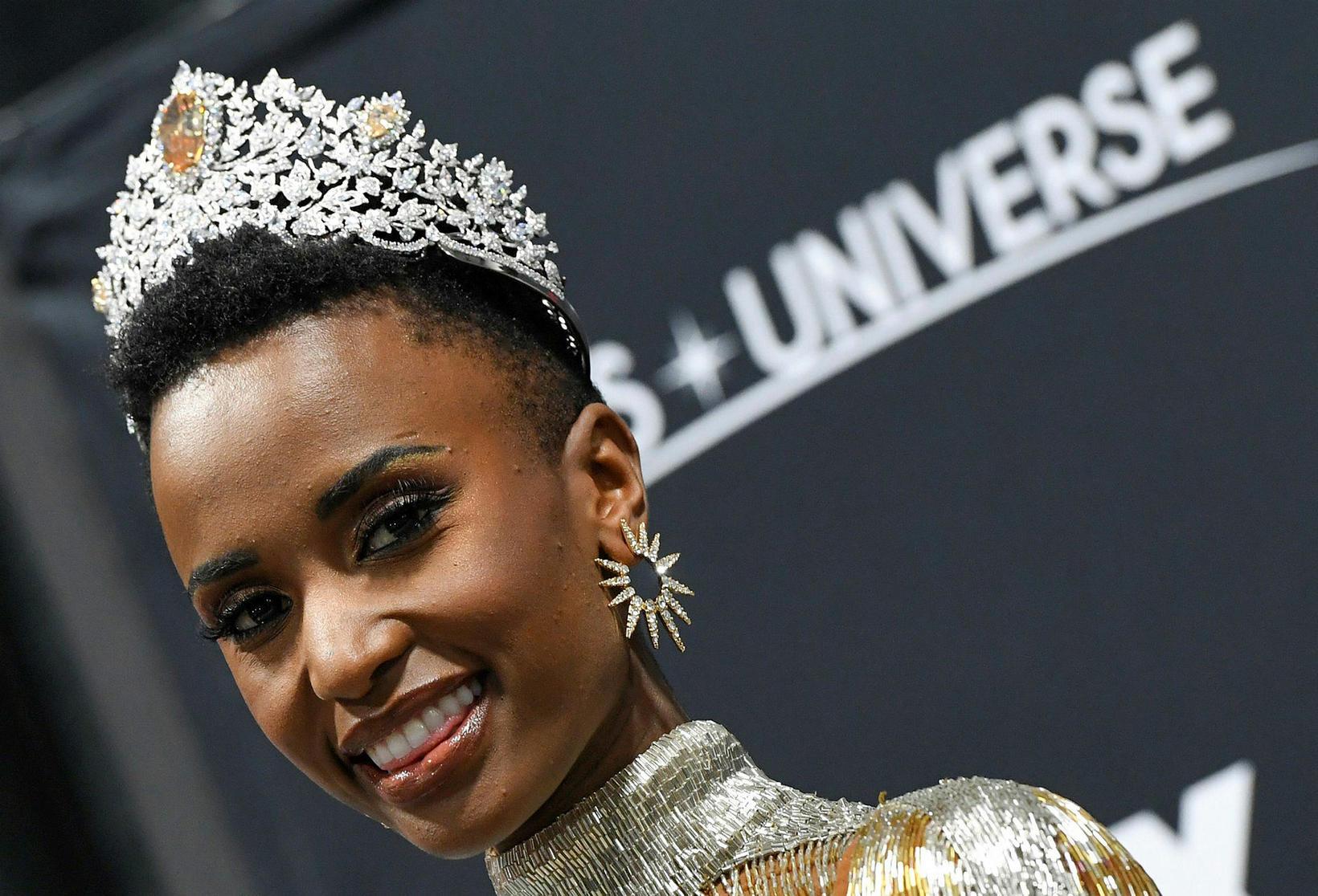 Zozibini Tunzi er Miss Universe 2019.