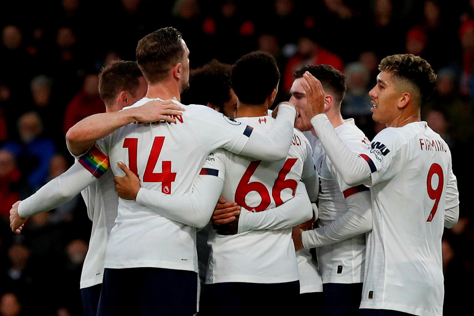 Liverpool er með átta stiga forskot á toppi ensku úrvalsdeildarinnar.