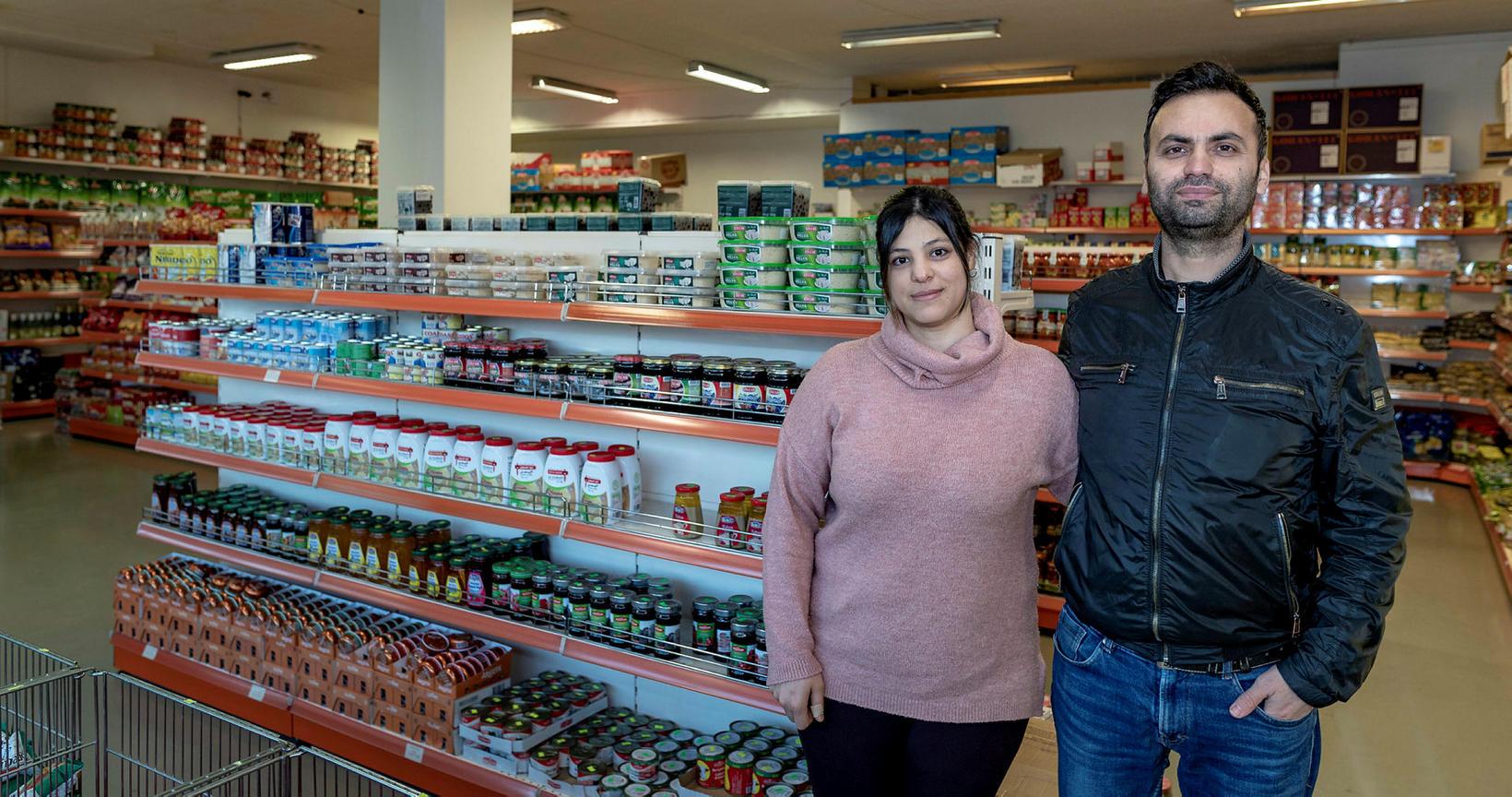 Negla og eiginmaður hennar, Yusuf, opnuðu matvöruverslunina Istanbul Market árið …