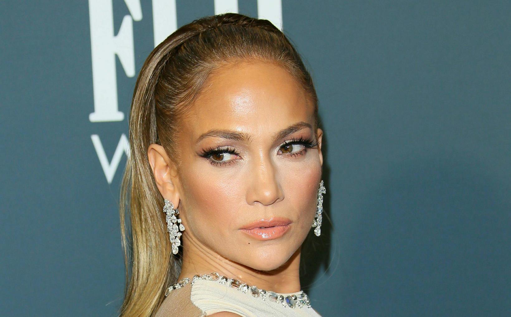 Jennifer Lopez þvertekur fyrir að nota botox.
