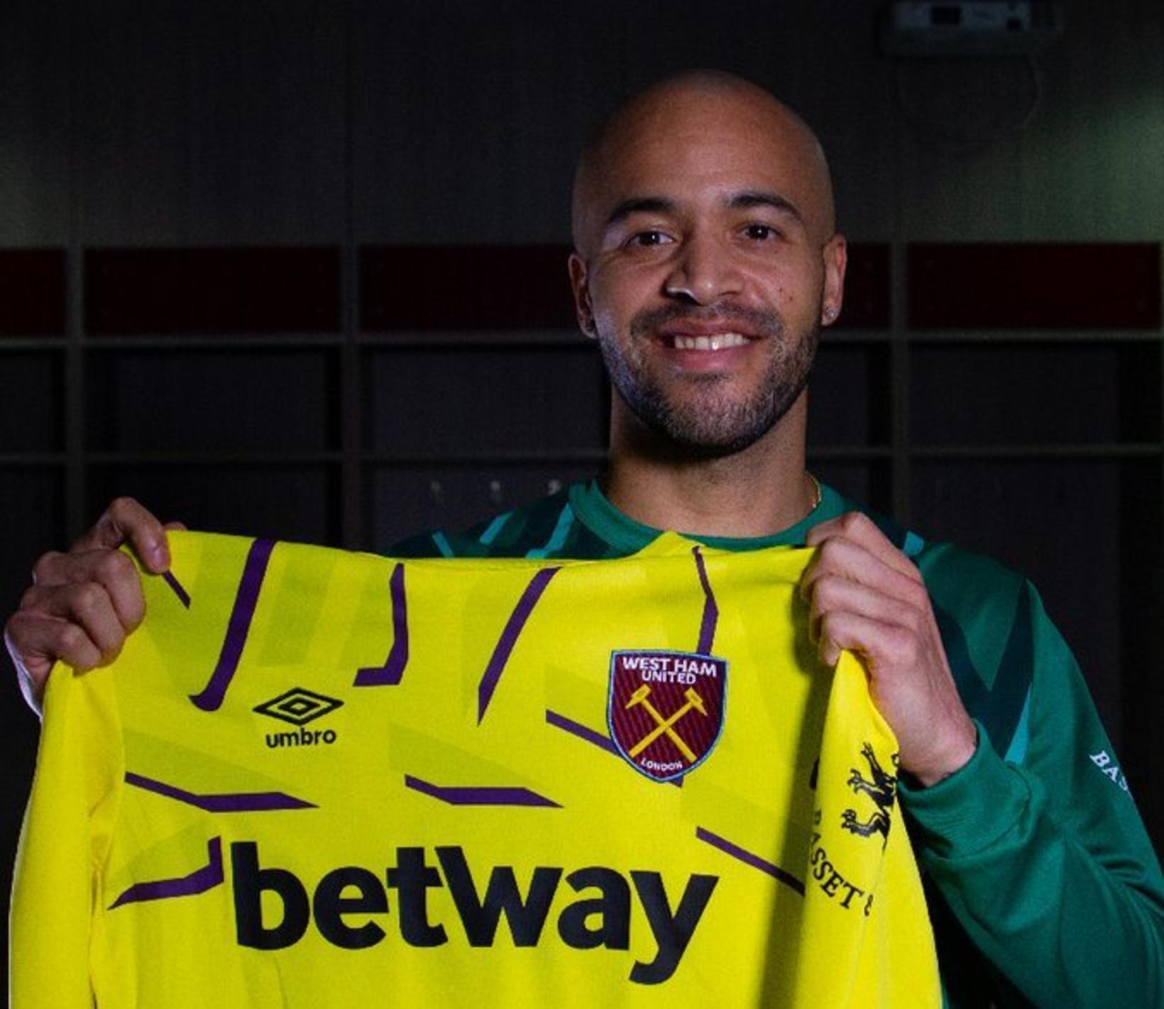 West Ham hefur keypt írska landsliðsmarkvörðinn Darren Randolph af Middlesbrough. …
