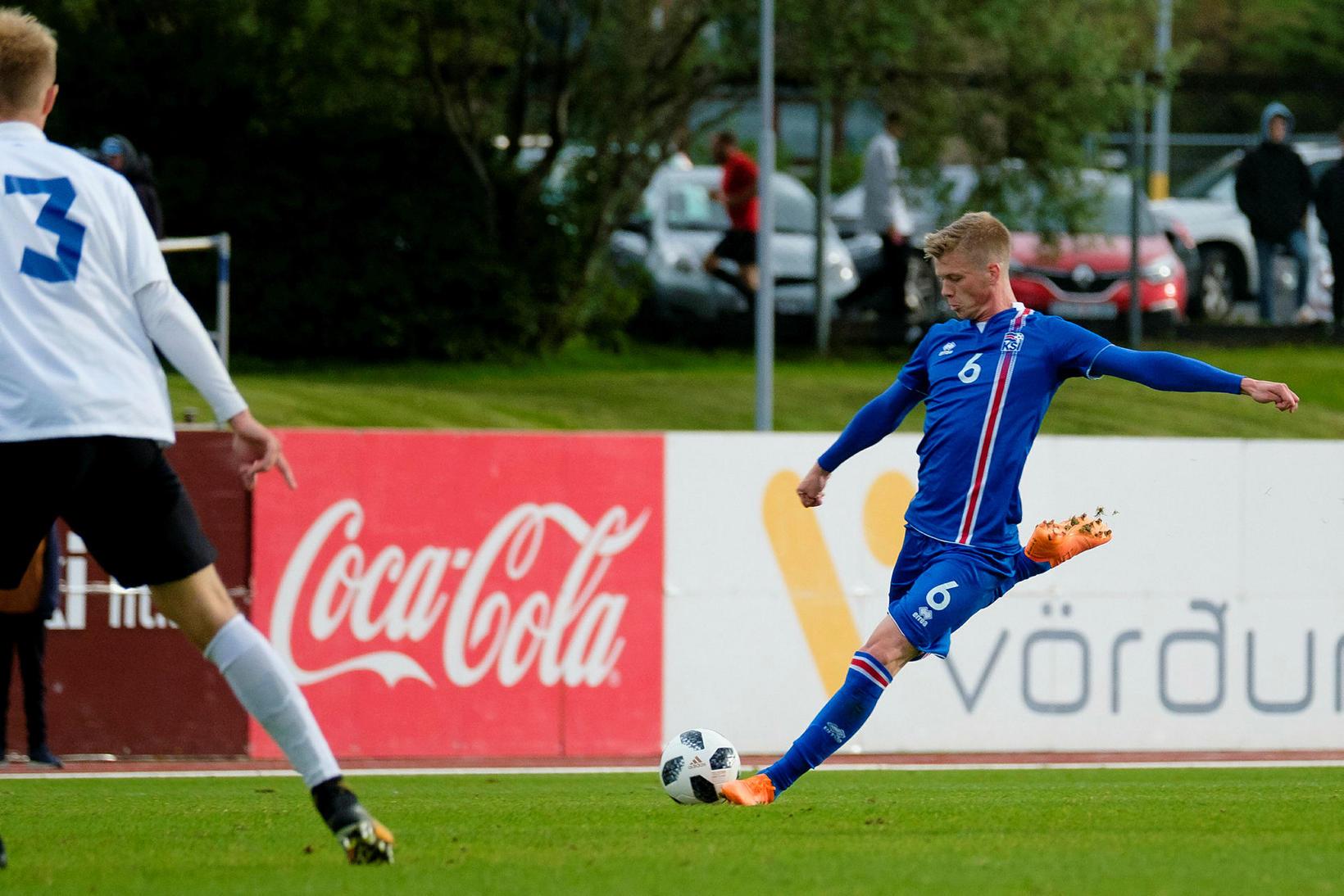 Samúel Kári Friðjónsson í leik með 21-árs landsliðinu haustið 2018.