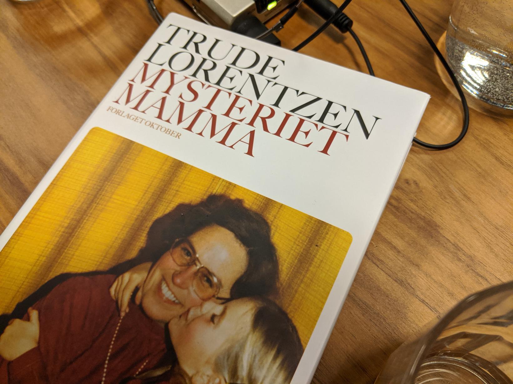 Heyra hefði mátt saumnál detta í salnum þegar Trude Lorentzen …