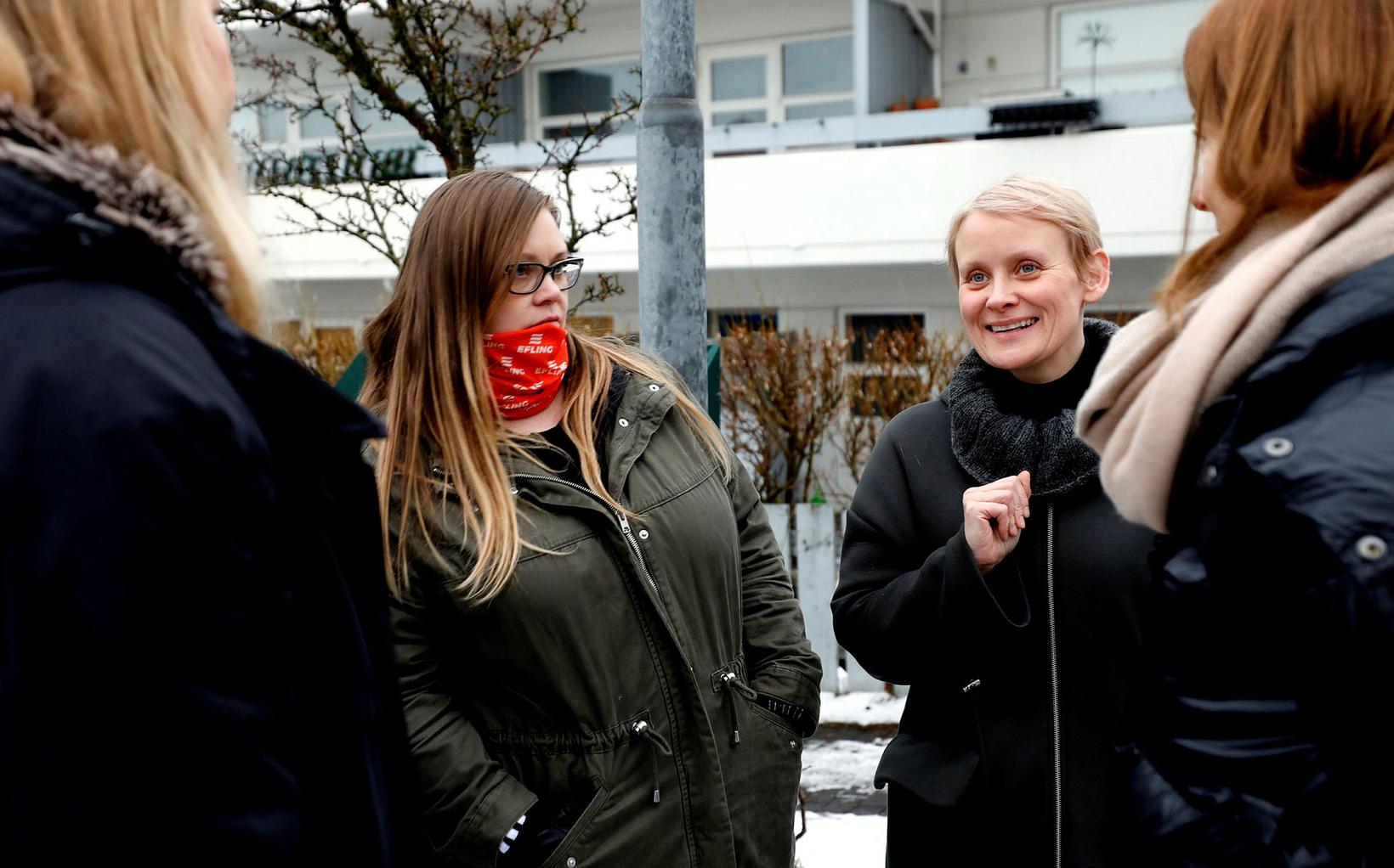 Sólveig Anna Jónsdóttir, formaður Eflingar, mætir í leikskólann Nóaborg.