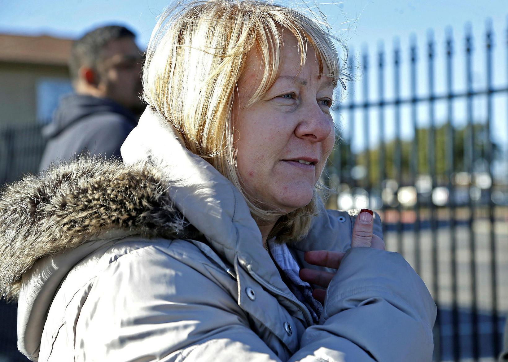 Móðir Melanie Davis var inni í kirkjunni þegar árásin átti …