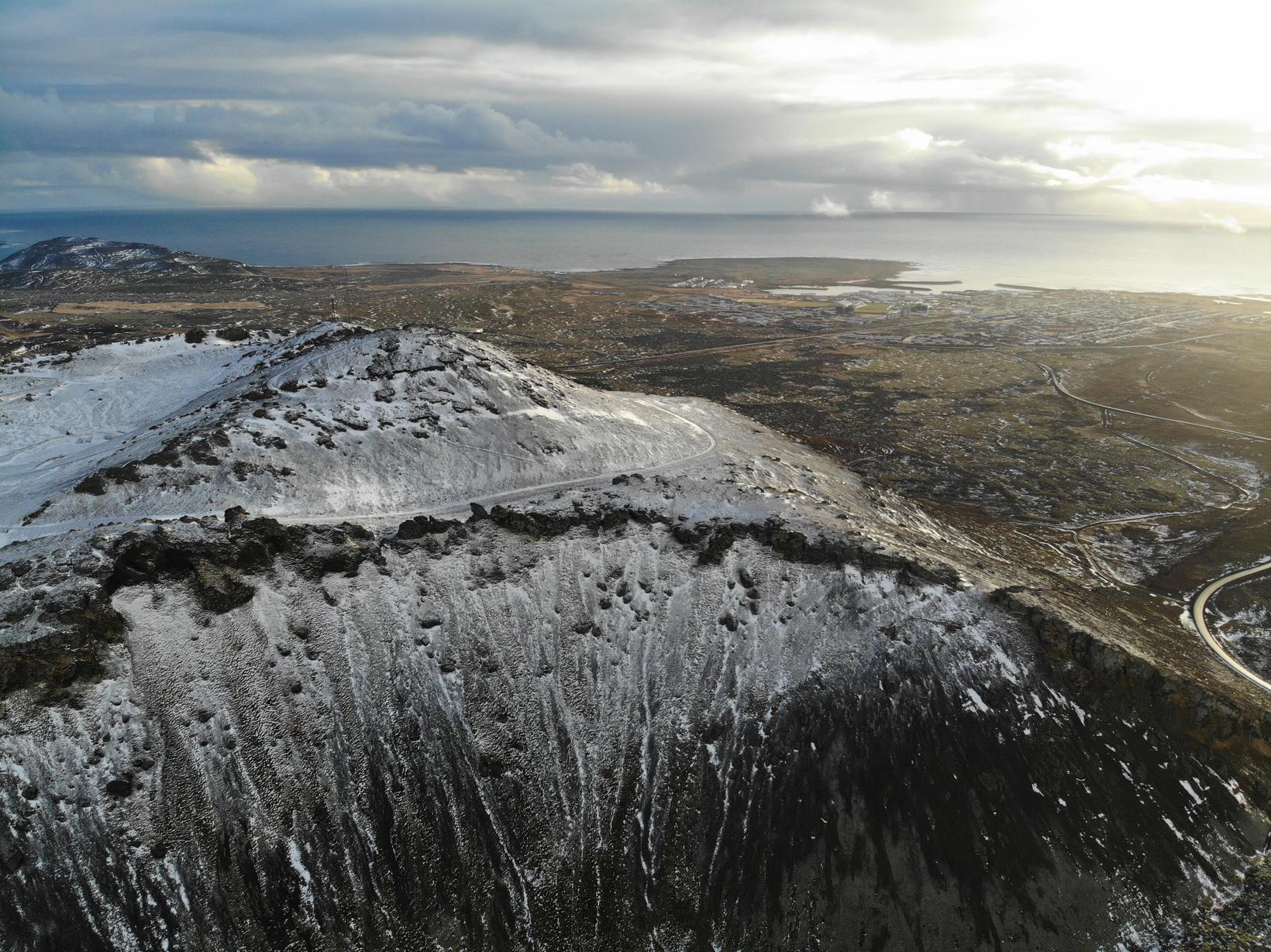 Grindavík séð úr lofti frá rótum Þorbjarnar.