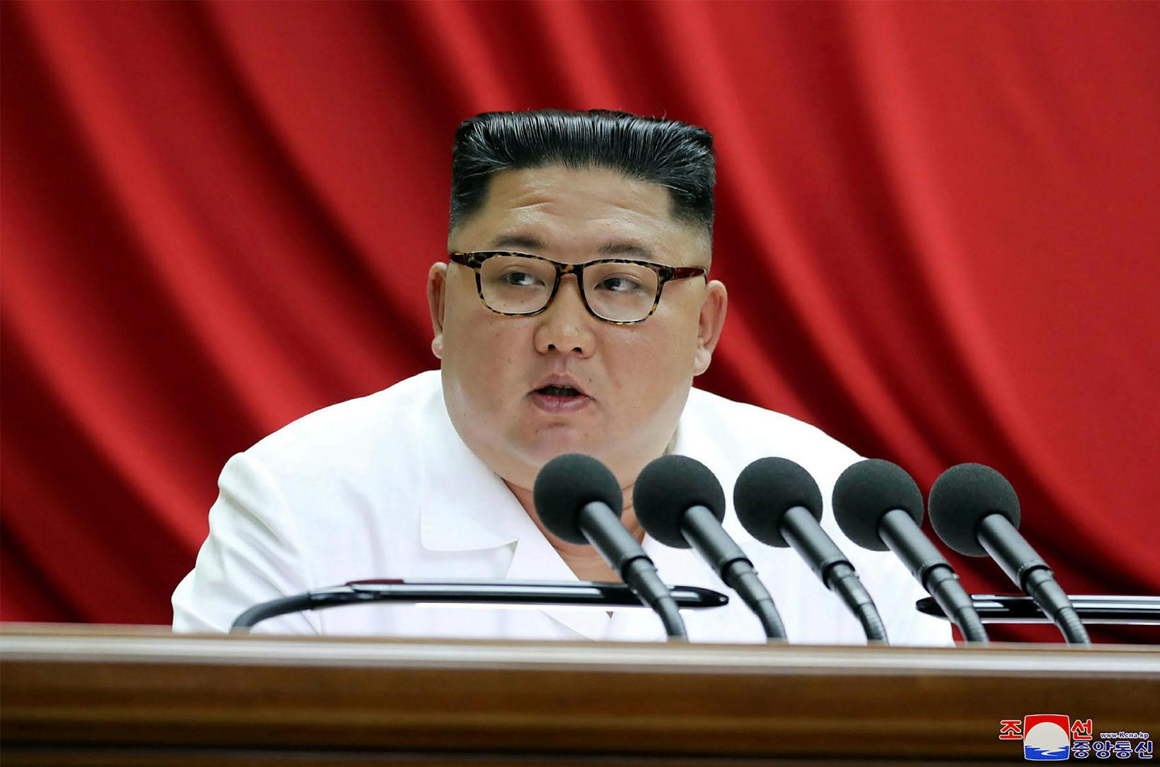 Kim Jong-un, leiðtogi Norður-Kóreu, fer í vígahug inn í nýtt …