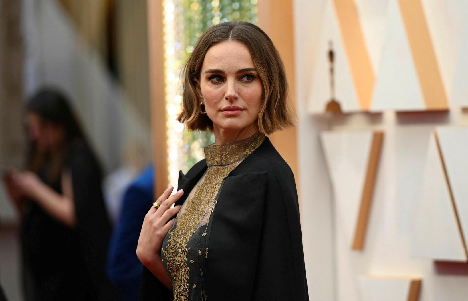 Natalie Portman sendi skýr skilaboð með klæðavali sínu á Óskarnum …