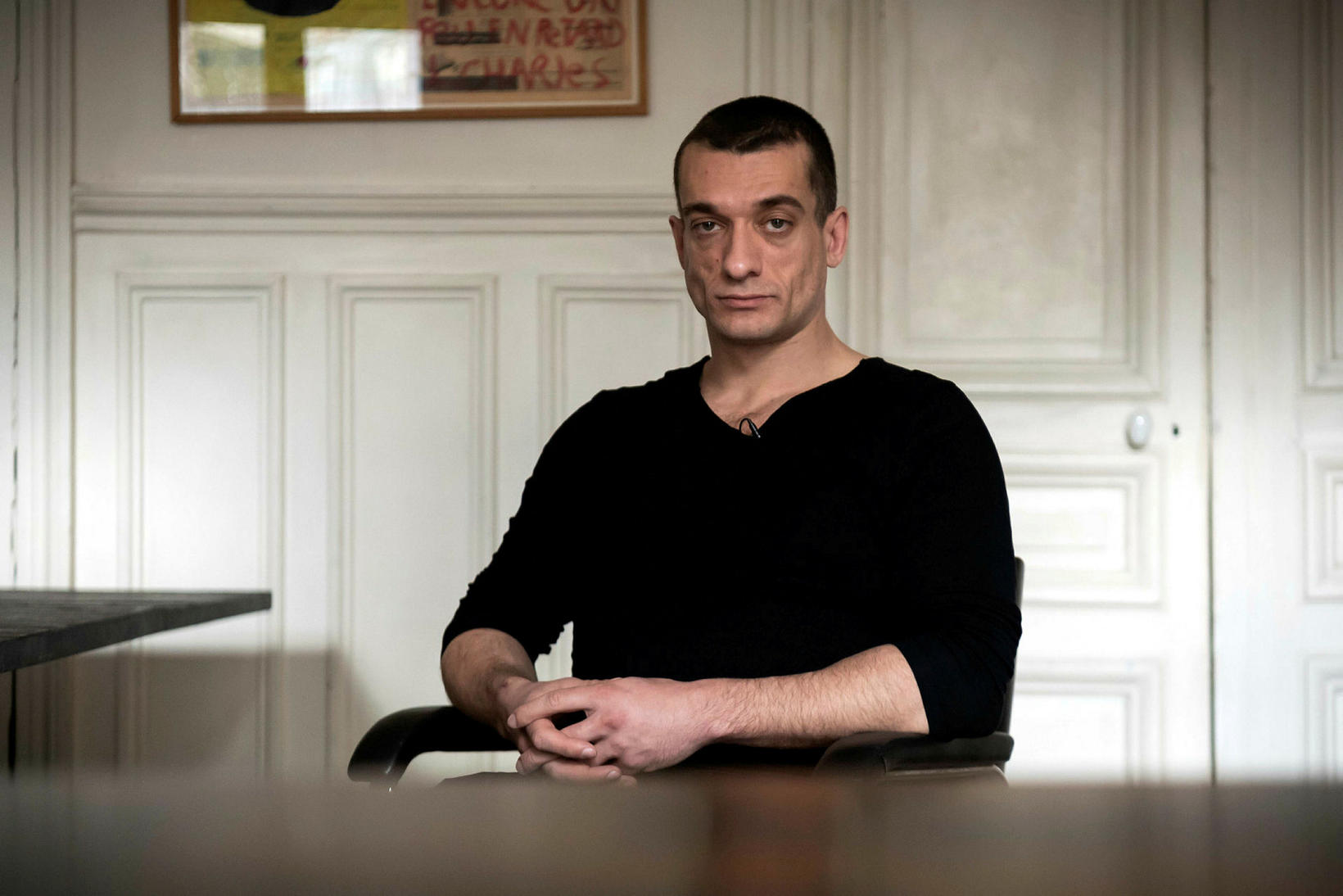 Pyotr Pavlensky, rússneski aktivistinn sem hefur lýst yfir ábyrgð á …