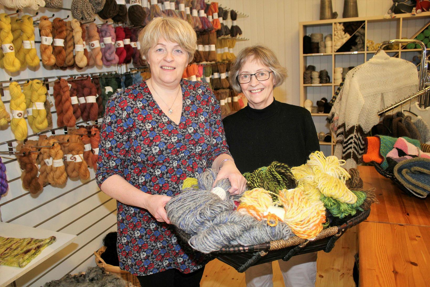 Þórey Axelsdóttir and Anna Dóra Jónsdóttir at Þingborg.