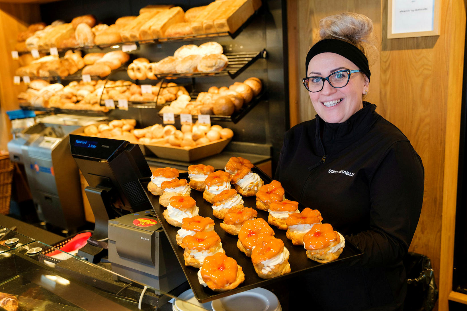 Justyna Joanna Cisowska, store manager at Bakarameistarinn, Suðurveri.