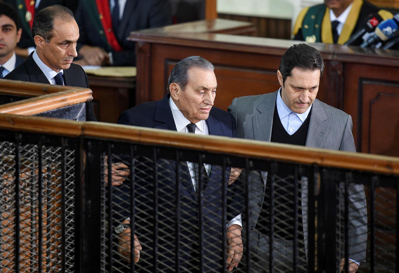 Mubarak í réttarsal árið 2018.