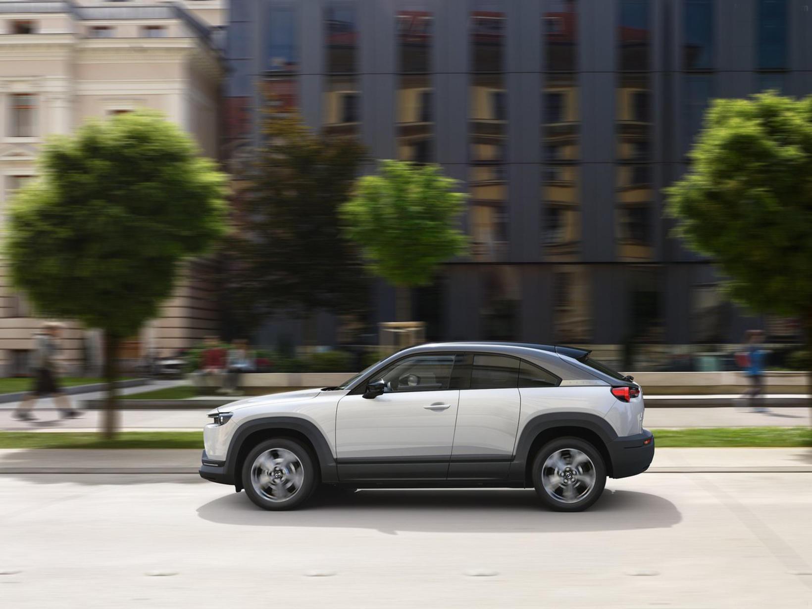 Rafbíllinn Mazda MX-30.