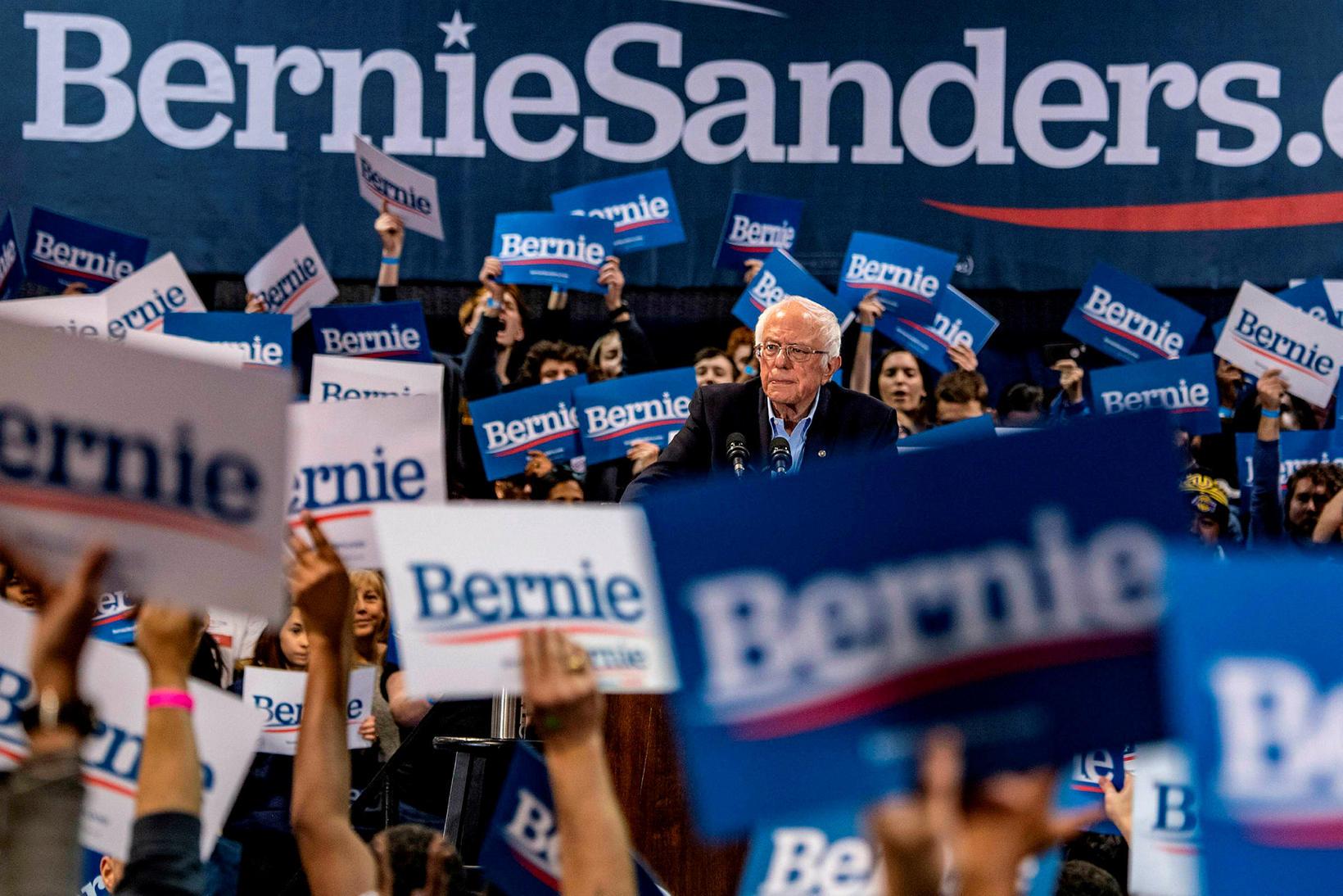 Bernie Sanders á kosningafundi í Virginíu-ríki í gær. Hann fékk …
