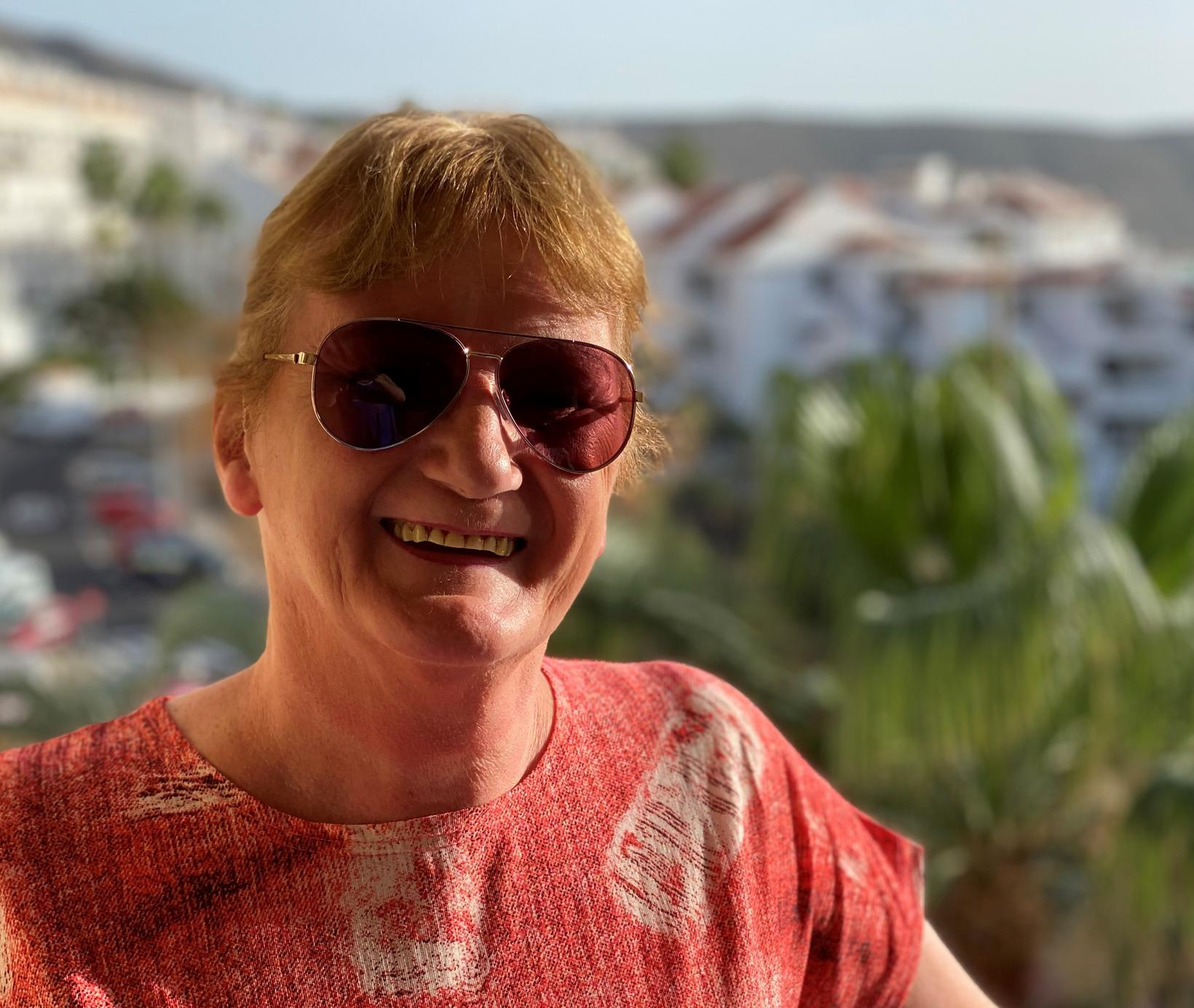 Anna Kristjáns nýtur lífsins á Tenerife um þessar mundir en …