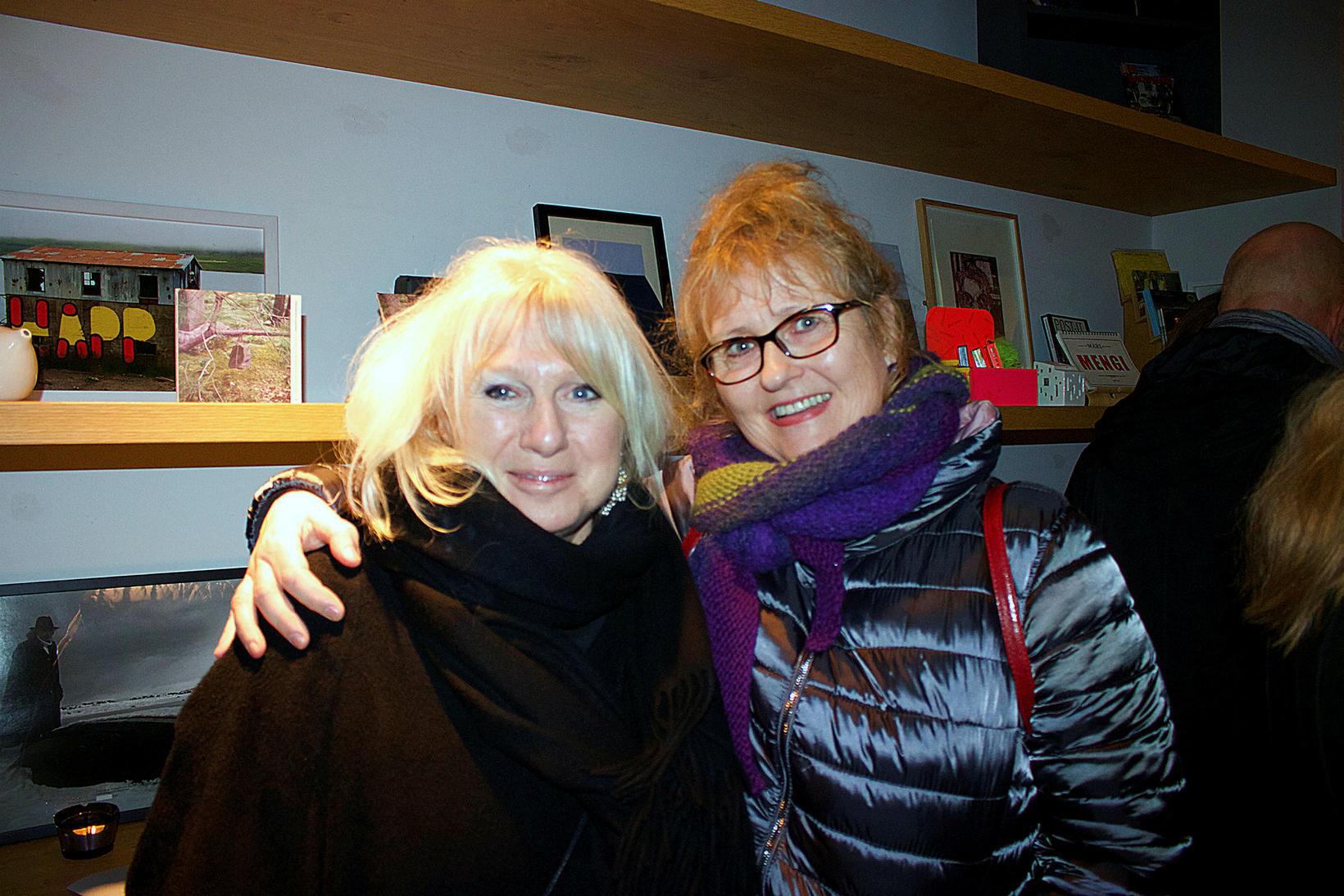 Lísbet Sveinsdóttir og Jenný Erla Guðmundsdóttir.