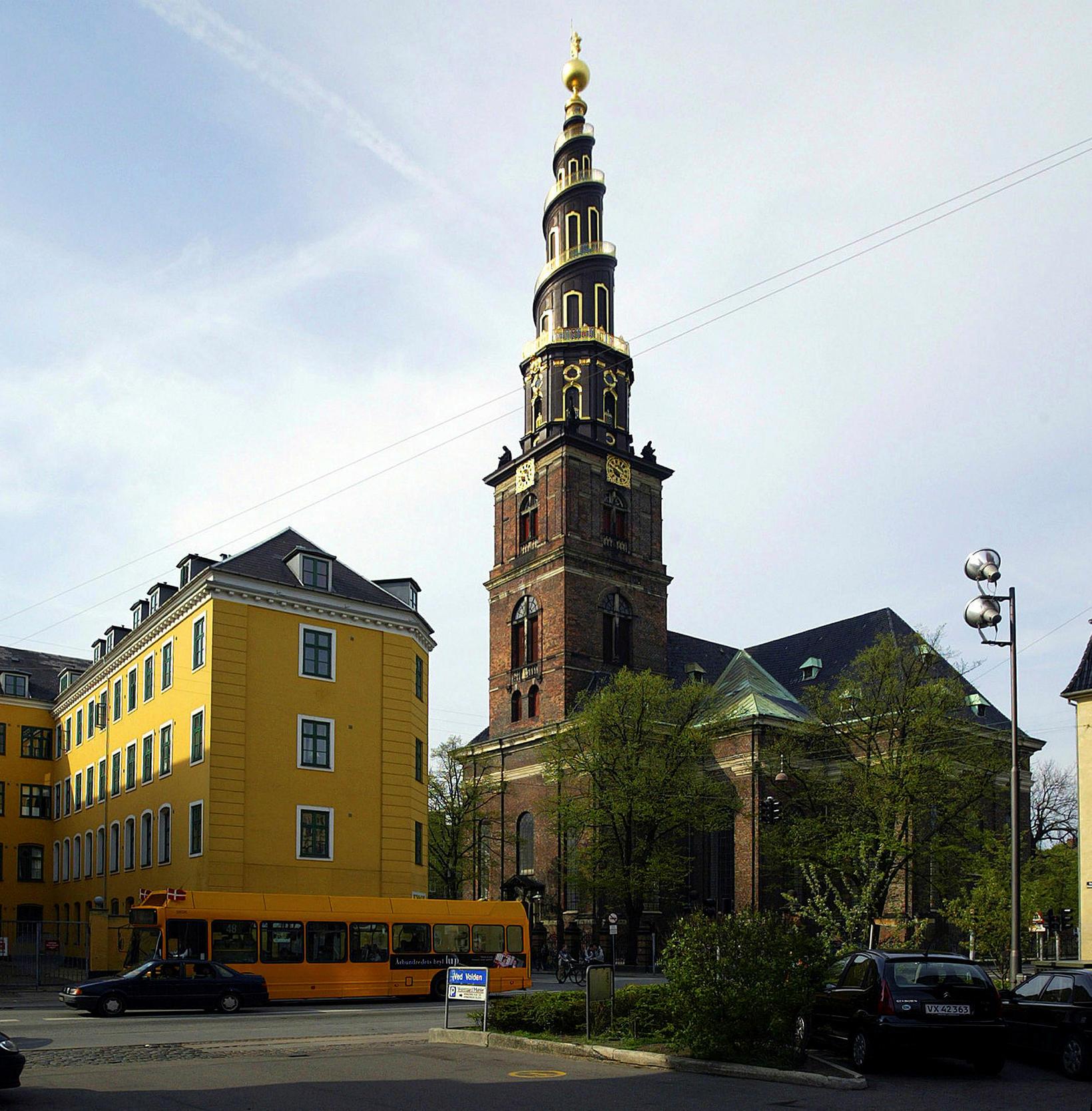 Turninn á Vor Frelsers Kirke er eitt helsta kennileyti Kriskjánshafnar.