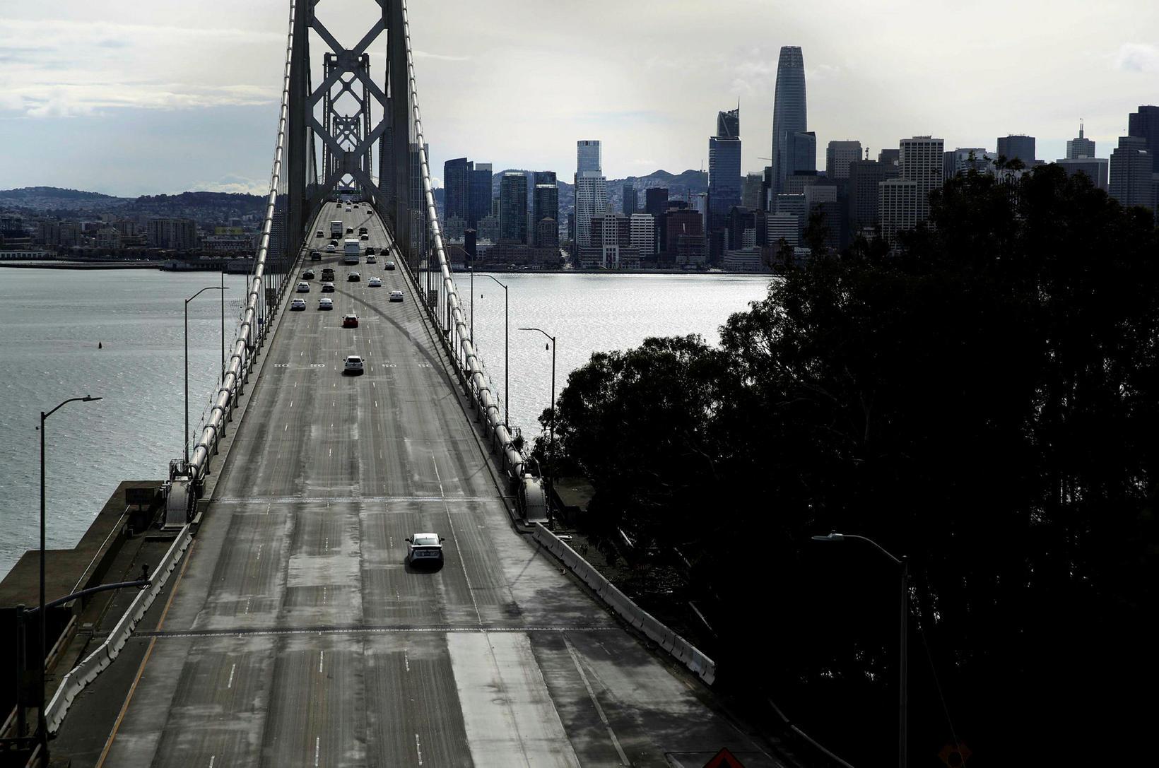 San Francisco Oakland Bay-brúin iðar ekki lengur af lífi.