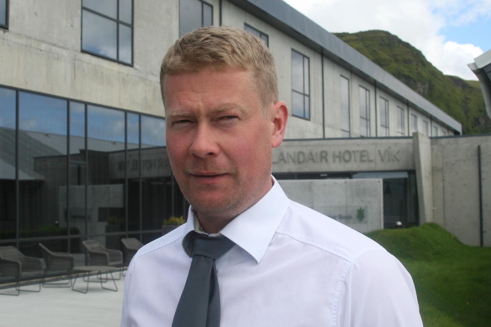 Hotel director Elías Guðmundsson.