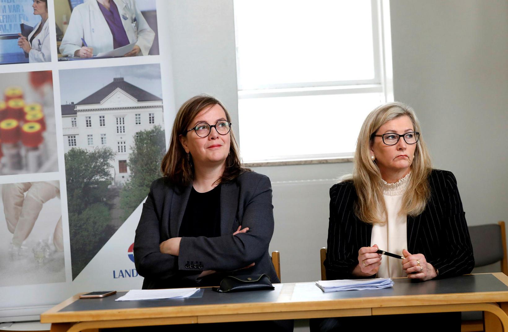 Svandís Svavarsdóttir heilbrigðisráðherra og Alma D. Möller landlæknir. Útfærsla heilbrigðisráðherra …