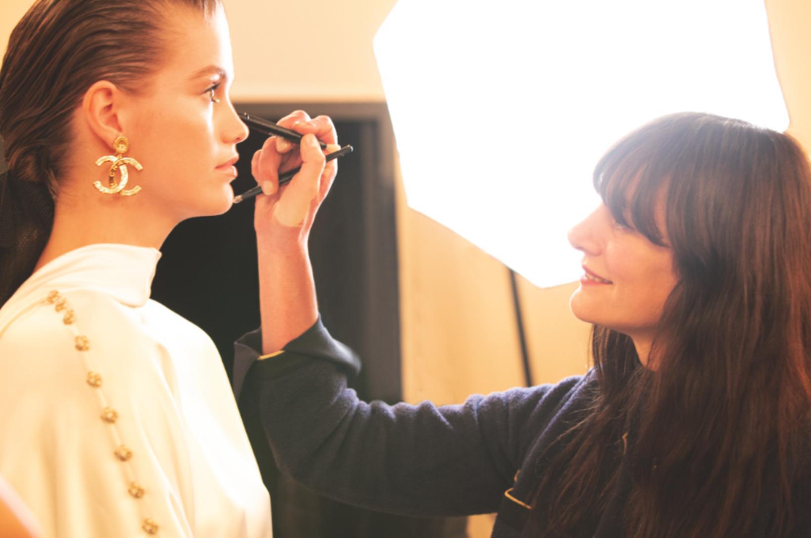 Lucia Pica, listrænn stjórnandi förðunar hjá Chanel, segir Baume Essentiel …