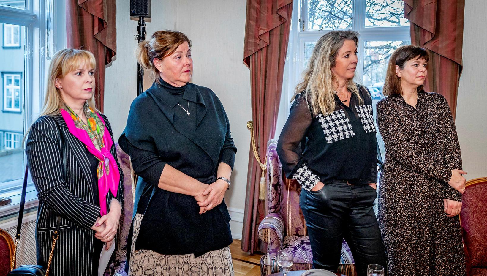 Margrét Kristín Sigurðardóttir, Hanna Lára Helgadóttir, Elísabet Sveinsdóttir og Helga …