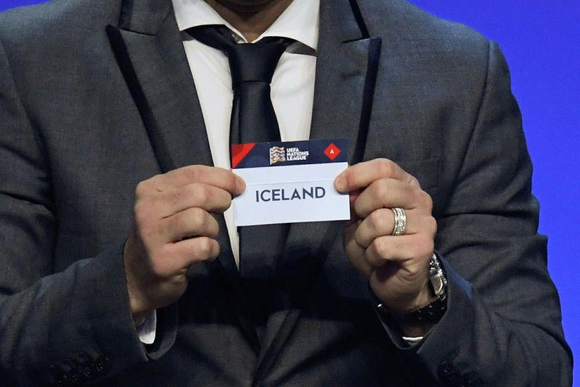 Portúgalinn Deco dró Ísland upp úr skálinni.