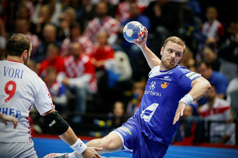 Aron Pálmarsson í leiknum gegn Króötum á EM.