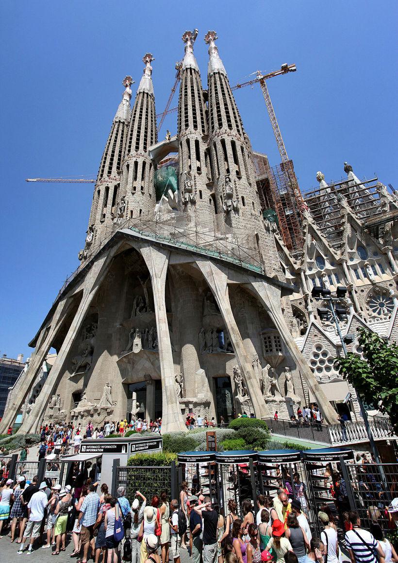 La Sagrada Familia, frægasta bygging katalónska arkitektsins Antoni Gaudi er ...