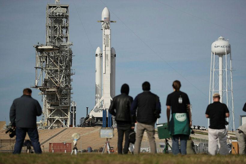 Falcon Heavy er tilbúin.