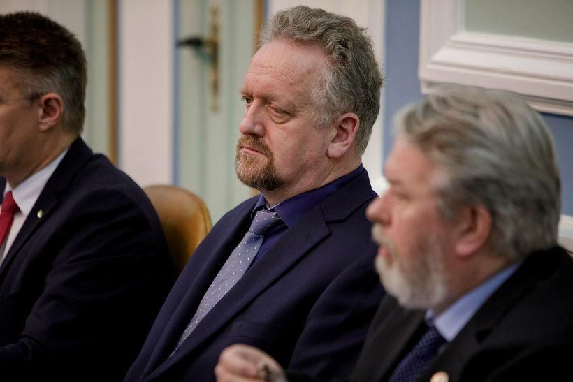 Sigurður Páll Jónsson, þingmaður Miðflokksins, í miðjunni.
