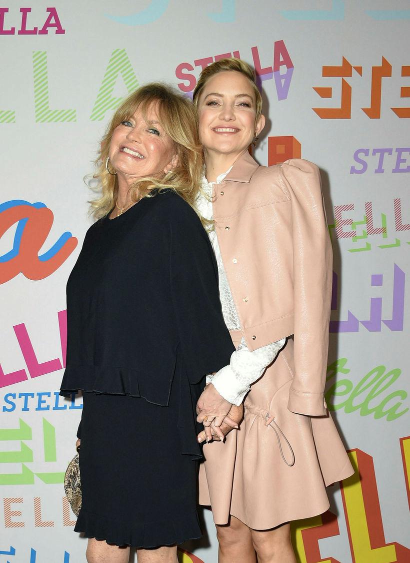 Kate Hudson mætti með mömmu sinni, leikkonunni Goldie Hawn.