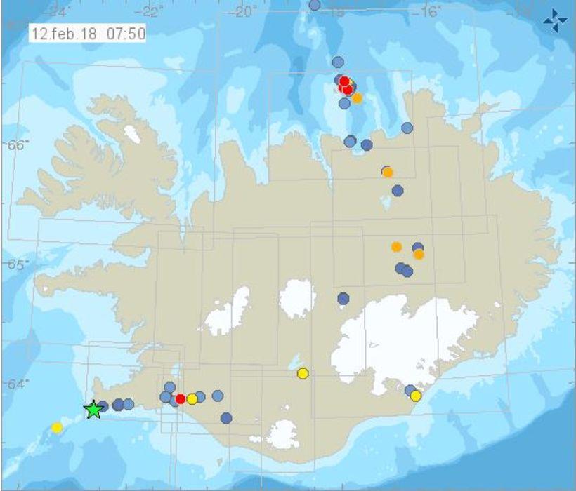 Jarðskjálftinn varð um 12 km vestur af Grindavík.
