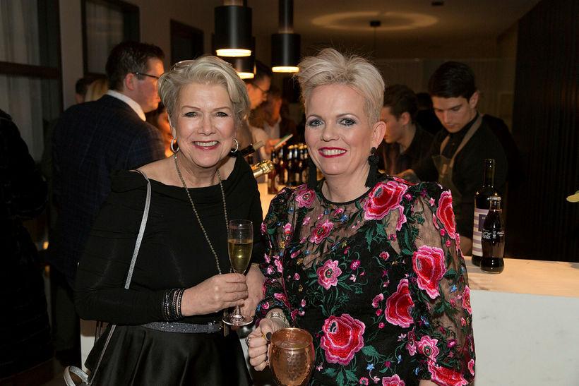 Jóhanna Kristín Tómasdóttir og Erla Brynjarsdóttir.