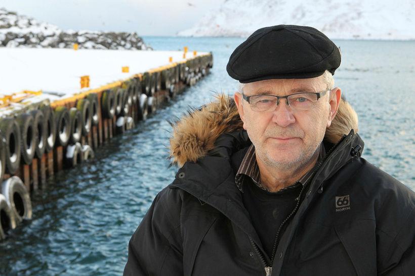 Við Brjótinn í Bolungarvík. Bjarni þurfti að hlaupa á milli ...
