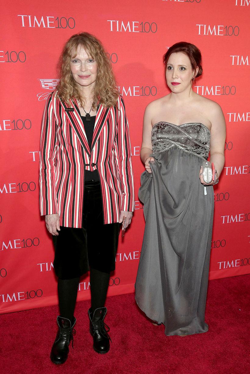 Mia Farrow og Dylan Farrow.