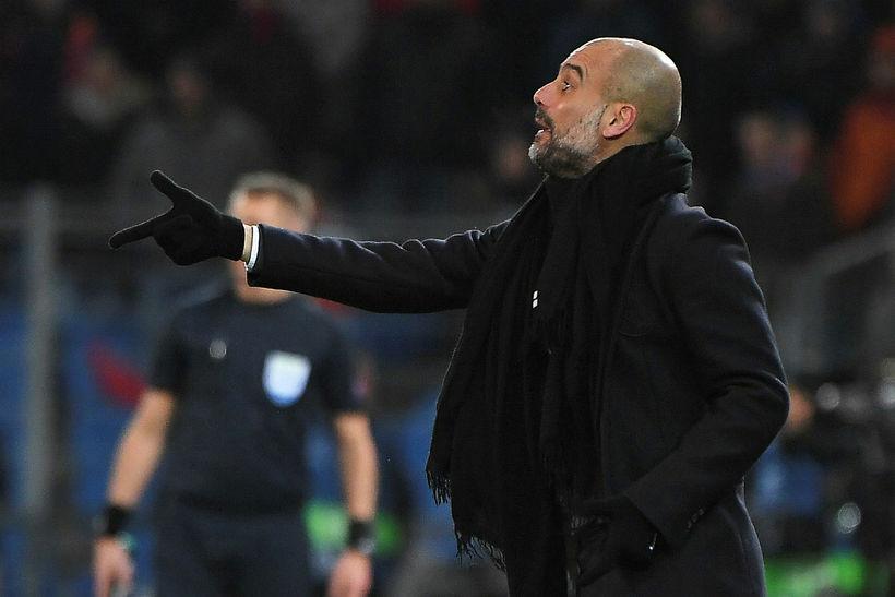 Pep Guardiola á hliðarlínunni í Basel í kvöld.