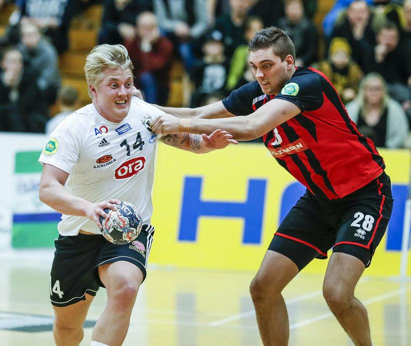 Jóhann Birgir Ingvarsson í leik með FH gegn Víkingi.